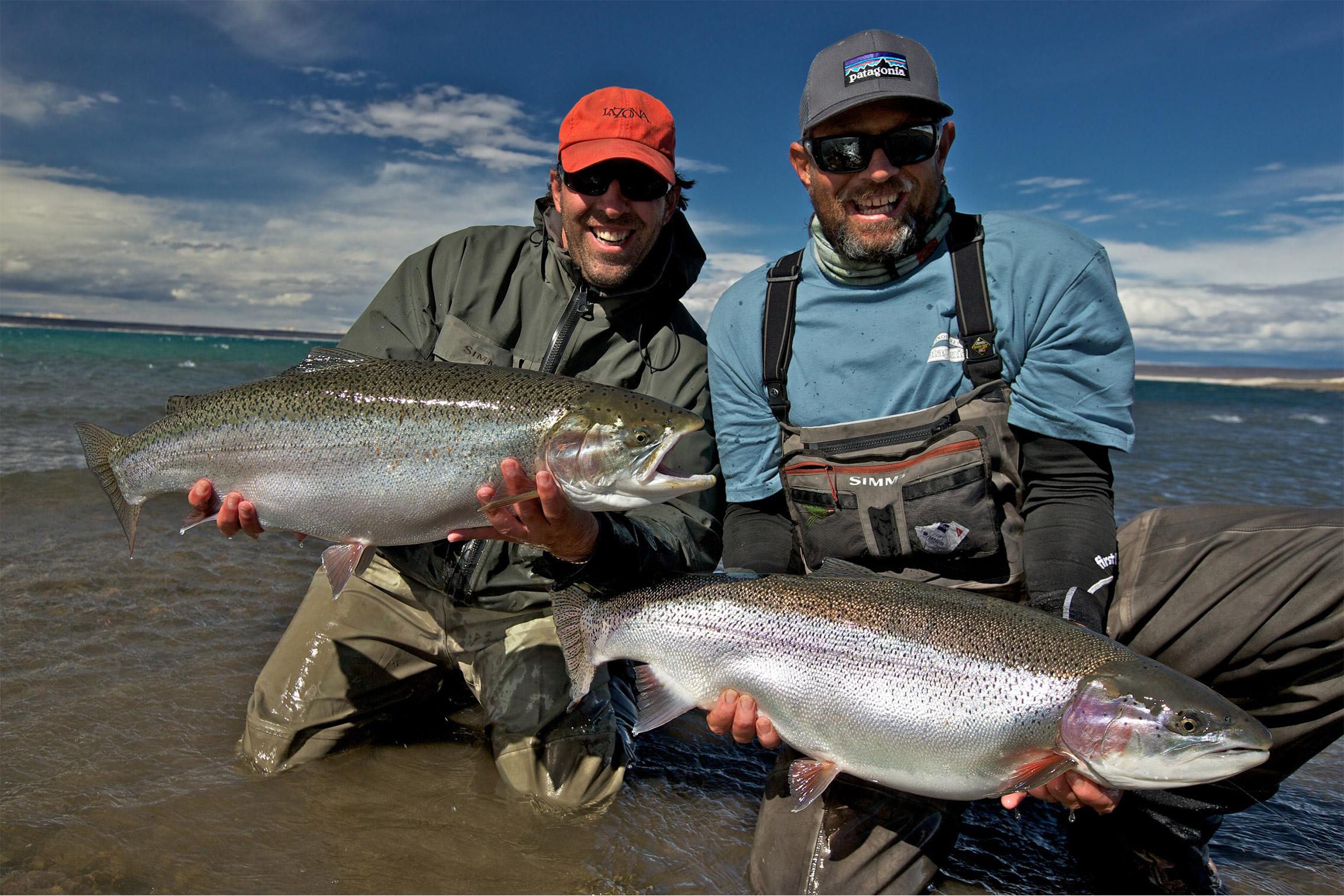 Jurassic lake lodge fishing the barrancoso river lago for Fly fishing patagonia