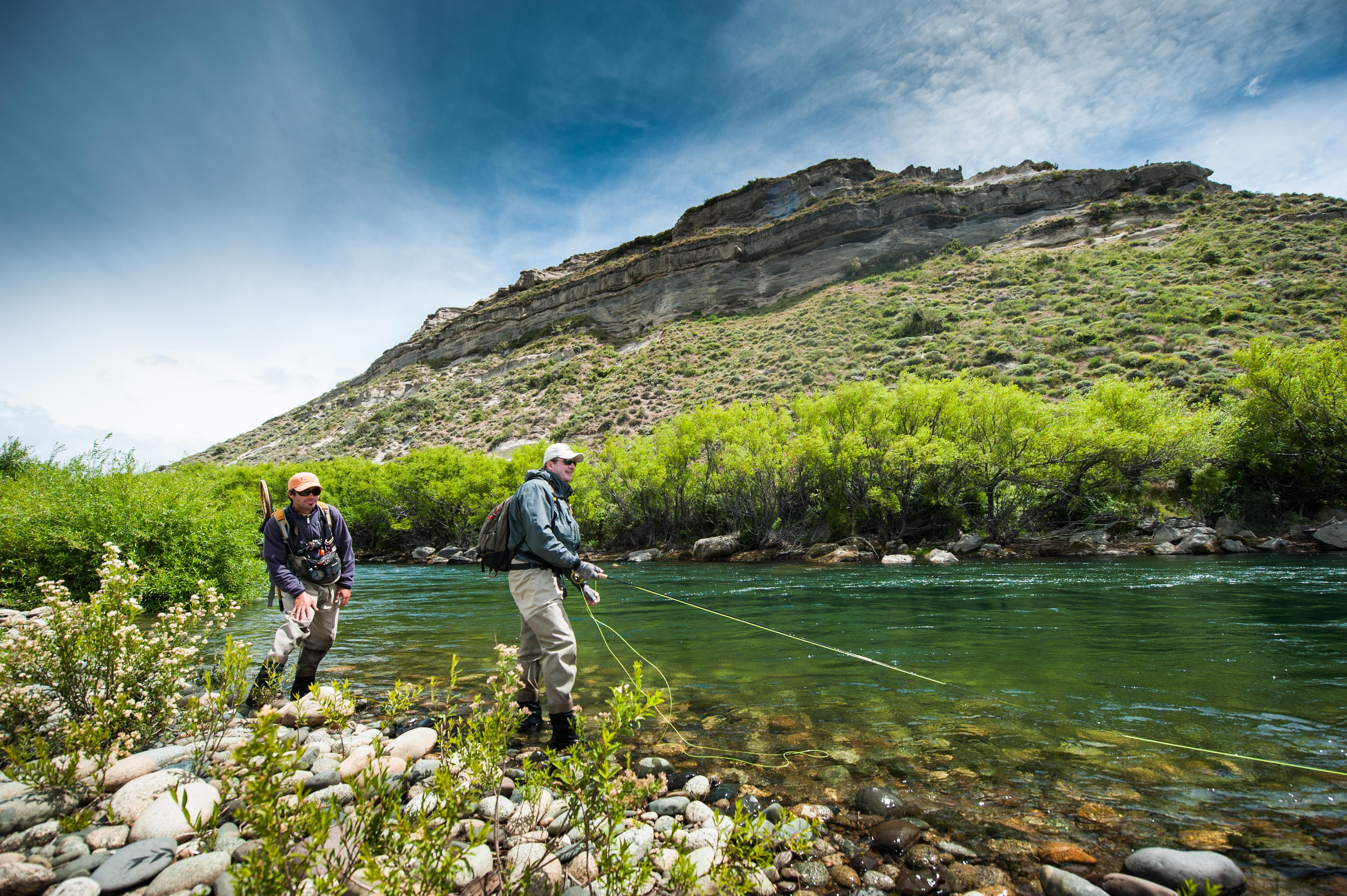 Tipiliuke lodge chimehu n river fly fishing patagonia for Fly fishing patagonia