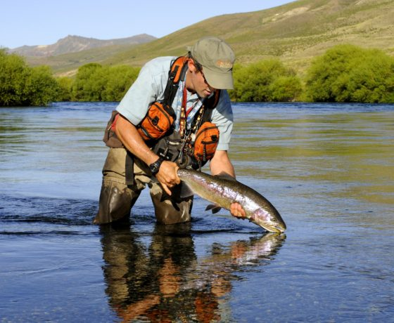 Patagonia fishing guides best fishing in argentina fly for Best fishing days