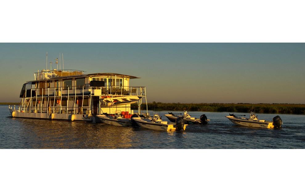 Golden Dorado River Cruiser16