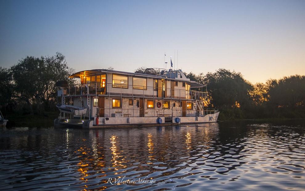 Golden Dorado River Cruiser34