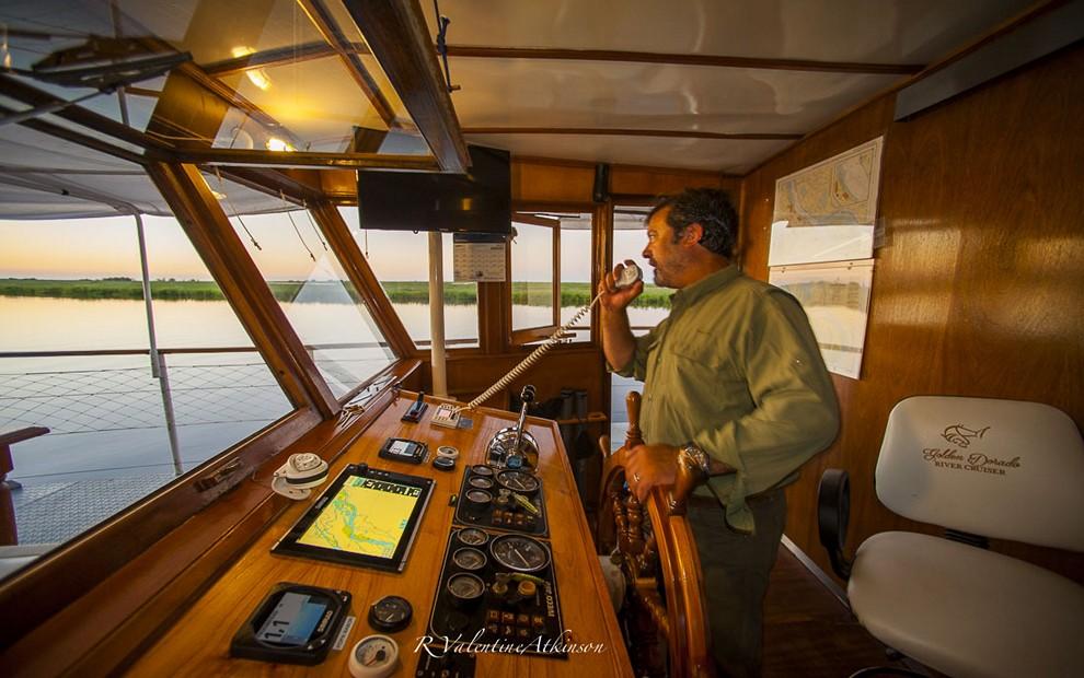 Golden Dorado River Cruiser36
